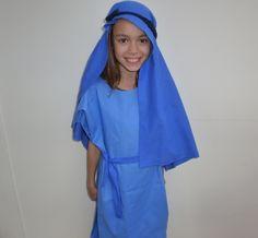 Easy no-sew nativity costumes.