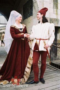 Ein Paar in spätmittelalterlicher Mode burgundischen Stils - a couple in burgundian style robes