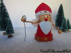 Saint-Nicolas mon patron, Apporte-moi des bonbons, Des mirabelles pour les demoiselles, Des macarons pour les garçons. Il arr... Terra Cotta, Advent, St Nicholas Day, Christmas Stockings, Christmas Ornaments, Saints, Holiday Decor, Macarons, Preschool