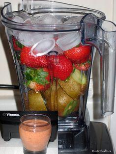 Strawberry-kiwi smoothie #raw #vitamix