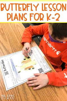2 weeks of lesson ideas to support your study on butterflies! Students respond to fiction and nonfiction literature with these digital and printable activities.