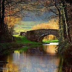 Brecon Canal, Monmouthshire, Wales    Photo by  Chris Spins