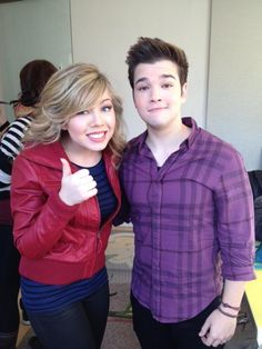 Jennette McCurdy and Nathan Kress  Seddie!!!!!!!