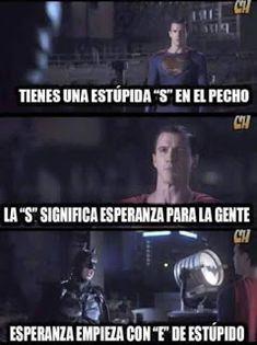 memes divertidos para español Dc Memes, Marvel Memes, Marvel Dc, Funny Memes, Pokemon Comics, Dc Comics, Memes Super Graciosos, Triste Disney, Night In The Wood