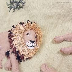 """Lion felt applique and embroidery by e.no.bag """"ライオン ノ バッグ """" #lion #animal #applique #felt #embroidery"""