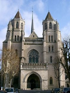 Cathédrale Saint-Bénigne, Dijon (1280-1393). Style : gothique et roman (crypte).Francia.