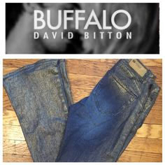 "BUFFALO ""LADISH GOLD SHIMMER"" DENIMS.   NWOT Inseam 33"".    Rise 7 1/2"".     Stretch 2%.                      🚫 TRADES 💯 AUTHENTIC 🚫 PAYPAL 🔝 10% SELLER ⛔️ Accept Offers 📦 Fast Shipping 🚫 LOW BALLERS Buffalo Jeans Boot Cut"