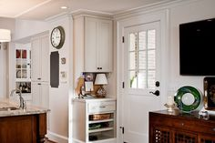Kitchen of the Week: Smart, Elegant Atlanta Addition  Controlling traffic flow and conquering clutter topped the priorities list for this 1980s-era Georgia kitchen