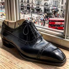 A chisel on Piccadilly! Welcome to Bestetti London trunk show. At Hotel Cafe' Royal until 9pm. RVSP at marco.facchinetti@theblossomavenue.com