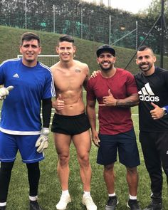 ★ ★ ★ | SaraEmma164 Soccer Players Hot, Soccer Guys, Rugby Players, James Rodriguez, Football Training Drills, Rugby Men, Athletic Men, Sport Man, Cristiano Ronaldo