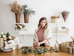 Former stylist Simone LeBlanc turned her knack for the finding the perfect gift into an art form—and her day job. In 2012, she launched a full-blown gifting studio out of her West Hollywood home. Here, …