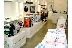 Fabricante de muebles para locales de ropa estantes con perchas cajones Carpinteria en general Zona Oeste, Norte, Capital Federal
