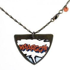 """Die Kette """"Yaarggh!"""" vom französischen Label Rock around my neck ist ein sehr lässiges Accessoire. Der Anhänger mit verspieltem Comic-Touch ergänzt viele lässige Outfits und ist ein toller Hingucker."""