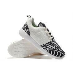 brand new 81f89 4e4d7 Nike Roshe Run Women s Running Shoes 55