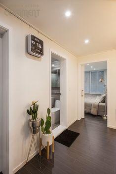 공간마다 특색 있는 복도식 아파트 작은집 꾸미기 : 25평 거실 인테리어 : 네이버 블로그 Gallery Wall, Living Room, Interior, Diy, House, Dresses, Home Decor, Vestidos, Decoration Home