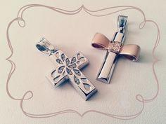 κωδικός προϊόντος από αριστερά: 1.2.1125 και 1.1.1252 σταυροί βάπτισης, βαπτιστικοί σταυροί Τριάντος, gold crosses jewelry, www.triantos.gr