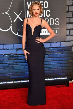 The Best Looks from the 2013 MTV Video Music Awards: Taylor Swift in Hervé Léger