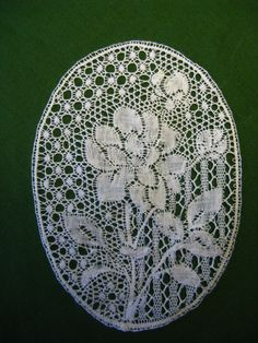 This is my Binche piece that I started during the 2015 IOLI convention in Coralville, Iowa. Hairpin Lace Crochet, Crochet Motif, Crochet Edgings, Crochet Shawl, Bobbin Lace Patterns, Bead Loom Patterns, Antique Lace, Vintage Lace, Bobbin Lacemaking
