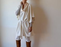 Cashmere poncho, cashmere shawl poncho. Winter white poncho. Cream cashmere coat. Plus size clothing. Maternity clothing. This piece is made from