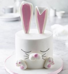 White Rabbit Cake | Smoothly does it… Sometimes the simplest-looking effects are the hardest to achieve, but this rabbit's flawless 'fur' is easy to make with Renshaw's Ready to Roll White Icing. This is one white rabbit nobody will want to be late to the party!