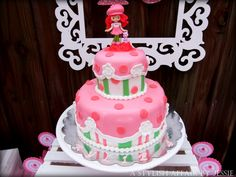 Strawberry Shortcake Birthday Cake - amazing! #cake #birthdayparty