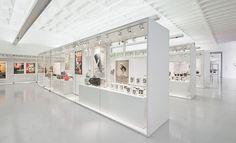 Aseptic White / Museography  Museu da Farmácia do Porto