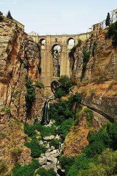 Travel | Andalusien Roadtrip | Málaga - Tagesausflug nach Ronda  | luziapimpinella.com