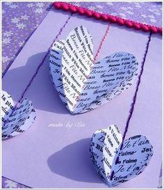 """Carte fête des mères avec coeurs en volume porteurs de """"mots doux"""" / 3D heart card"""