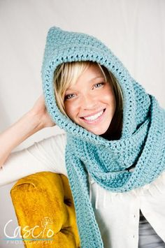 Adorable crochet pattern :) hooded scarf