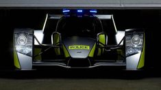 The US Police unveiled its new Dodge Charger for fighting crime. It is one mean machine with a powerful Hemi that pushes the Hellcat to insane speeds of But, does it challenge the world's. New Dodge, Bmw I3, Police Cars, Police Tools, Top Gear, Car In The World, Sexy Cars, Dodge Charger, Car Ins