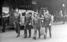 American soldiers on furlough in Paris