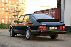 Saab 900 classic - get mine back this week - yay!!!