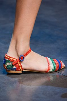 Dolce & Gabbana Spring 2013 Ready-to-Wear Collection Photos - Vogue Espadrille Shoes, Espadrilles, Shoes Sandals, Heels, Sock Shoes, Shoe Boots, Crochet Shoes, Mode Inspiration, Slingbacks