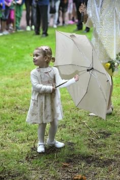 MYROYALSHOLLYWOOD FASHİON:  Crown Princess Victoria celebrates her 37th birthday, Solliden Palace, July 14, 2014-Princess Estelle posing-too cute here