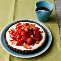 Strawberry tumble tart