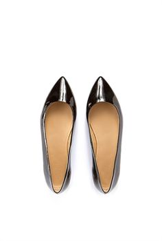 Carrie Patent Flat