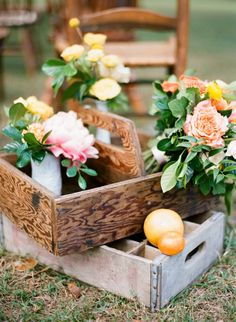 Orange, Yellow and Pink Wedding Flowers in Vintage Milk Crates | Florida Inspired Citrus Styled Wedding
