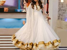 Designer Embroidered White Chiffon Maxi Dress For more details and real pictures visit: PakStyle. Fancy Maxi Dress, Wedding Dress Chiffon, Chiffon Maxi Dress, White Maxi Dresses, White Wedding Dresses, Pakistani Maxi Dresses, White Chiffon, Designer Dresses, Dress Designs