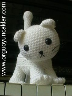 free cat crochet patterns | Amigurumi Cat Pattern by Denizmum on Etsy