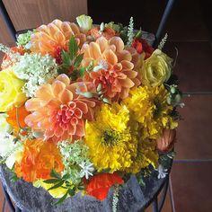 お見舞いに、とにかく明るい気分になる花をとのリクエスト。#花 #花のある暮らし | Flower Atelier Loto
