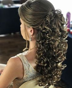 evening hairstyles to do braided hairstyles hairstyles mean hairstyles straight hair hairstyles into a bun hairstyles long hairstyles half up half down hairstyles for black 11 year olds Quince Hairstyles, Evening Hairstyles, Wedding Hairstyles For Long Hair, Loose Hairstyles, Straight Hairstyles, Braided Hairstyles, Hair Wedding, Boho Wedding, Dresses