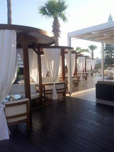 Nice Terrace - Napa Mermaid Hotel & Suites