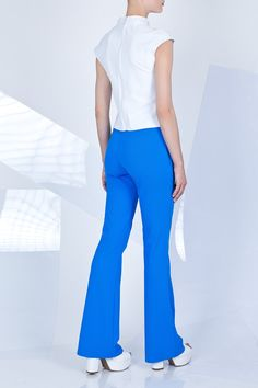 Niebieskie spodnie typu dzwony #ranitasobanska #blue #pants #lookbook #eshop