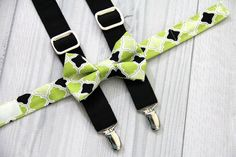Green and Black Quatrefoil Design Boys Bow Tie and Black Suspenders. Weddings, Church, Concerts, Boys, Toddlers. Babies, Photo shoot