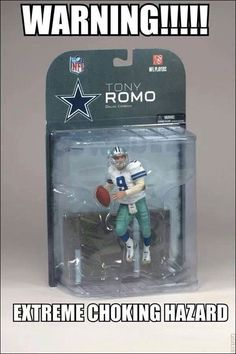 Dallas Cowboys and Tony Romo.My nephew sent this to me today.I had to laugh even though I'm a Cowboy fan.It is funny. Funny Football Memes, Nfl Memes, Funny Sports Memes, Sports Humor, Football Humor, Funny Nfl, Funny Memes, Broncos Memes, Cowboys Memes