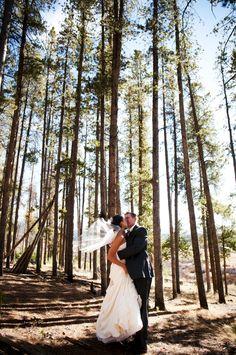 Colorado Rockies rustic wedding (photo: Two One Photography)