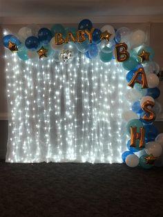 Photo backdrop with ballon arch :), Ballon Backdrop, Ballon Arch, Balloon Columns, Frozen Bday Party, 18th Birthday Party, Balloon Tree, Balloon Garland, Graduation Decorations, Birthday Decorations