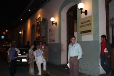 Ro - frente a Sala de Exposiciones Xalapeños Ilustres. Xalapa, Veracruz