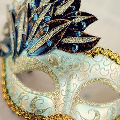Aqua Lace Mask
