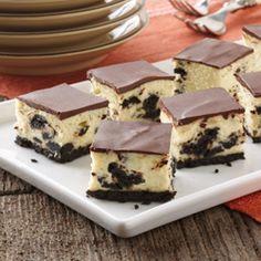 Oreo cheesecake bites. Yes, please. Recipe makes enough to feed a crowd.